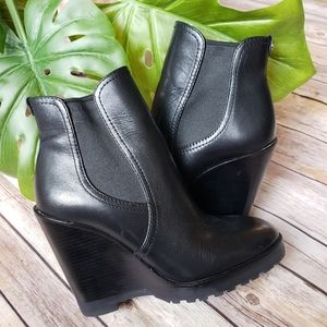 MICHAEL Michael Kors Leather Heeled Bootie Size 5